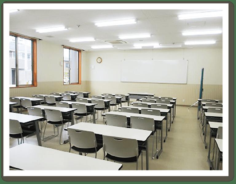 ひまわり幼児教育専門学院 講義室1